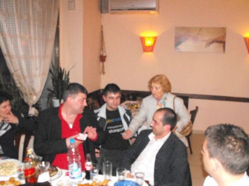 Огнян Младенов дари 20 лева за Българския червен кръст